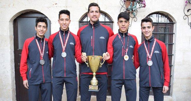 Büyükşehir Atletizm Takımından Türkiye ikinciliği