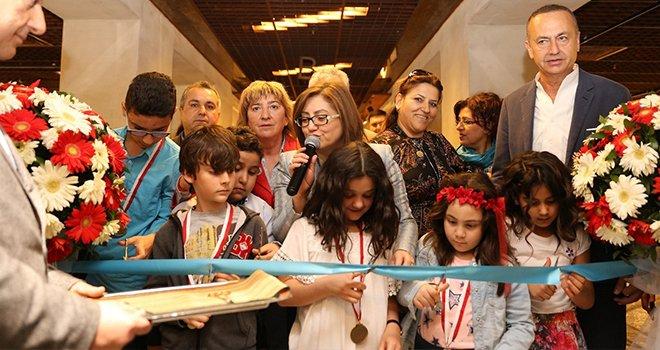 """""""29. Uluslararası Çocuk Resimleri"""" sergisi açıldı"""