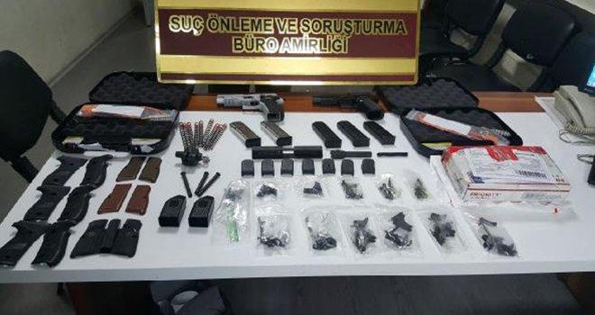 ABD'den gelen kargoda tabanca parçaları ele geçirildi