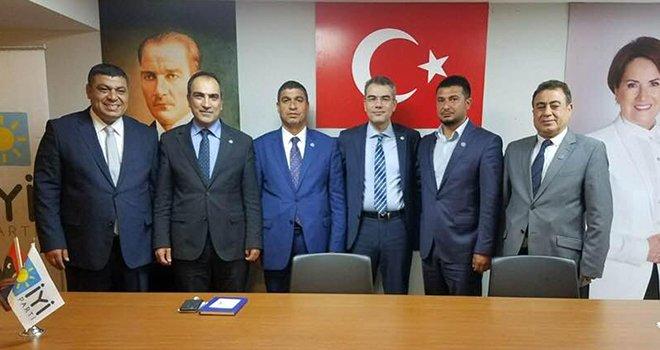 AKP ve MHP Meclis üyeleri İYİ Partiye katıldı