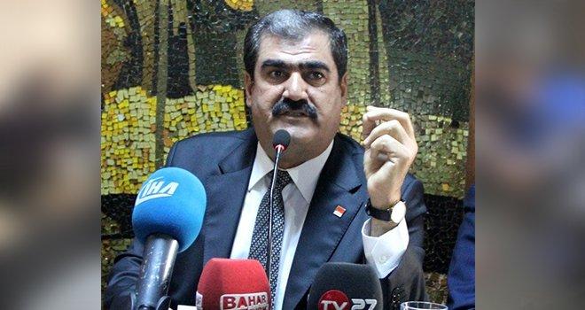Atatürk'e dil uzatmak kimsenin haddi değildir