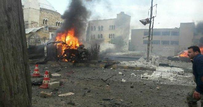 Azez'de bombalı saldırı, yaralılar Kilis'e getirildi