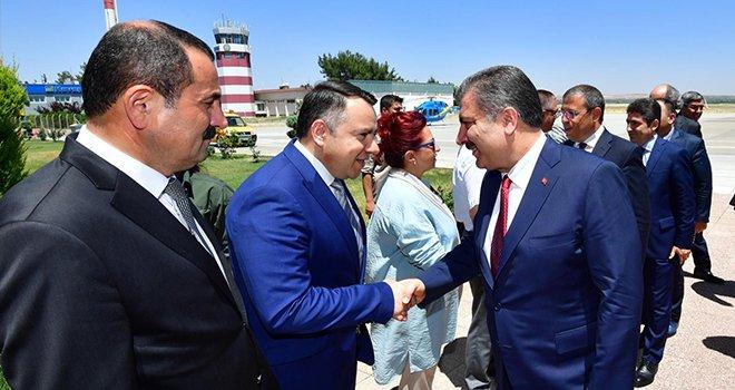 Bakan Koca'ya Gaziantep'in sorunlarını Sarıfakı anlattı