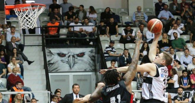 Beşiktaş seride 1-0 öne geçti