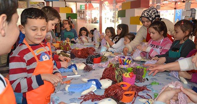 Bez bebek atölyesi'nden 900 çocuk faydalandı