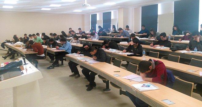Bilgi Koleji Öğrencileri YGS Heyecanını HKÜ'de Yendi