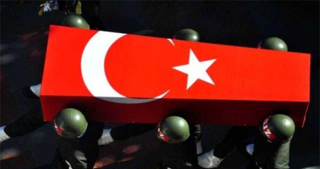 Bitlis'te askeri aracın geçişi sırasında patlama: 2 şehit