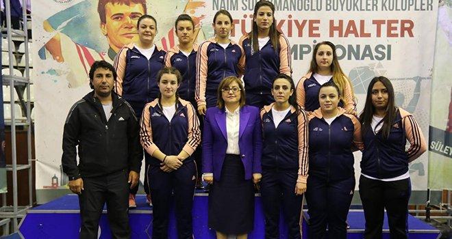 Büyükşehir'in halter takımı Türkiye ikincisi oldu