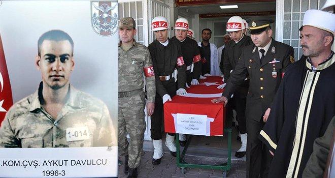 Diyarbakır'da intihar eden asker Gaziantep'te toprağa verildi