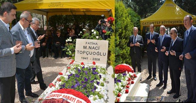 Duayen Sanayici Naci Topçuoğlu Mezarı Başında Dualarla Anıldı