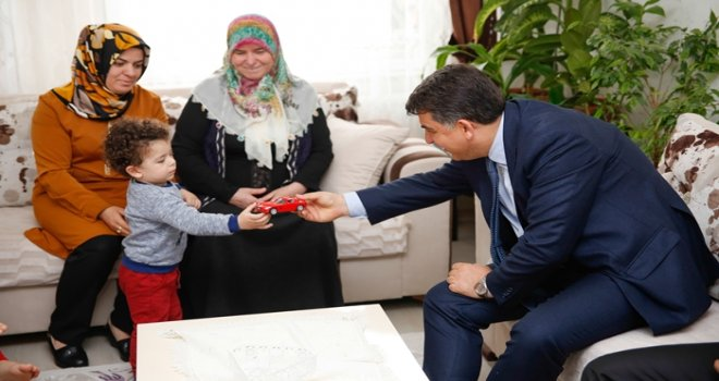 Fadıloğlu, şehit ailelerini ziyaret etti