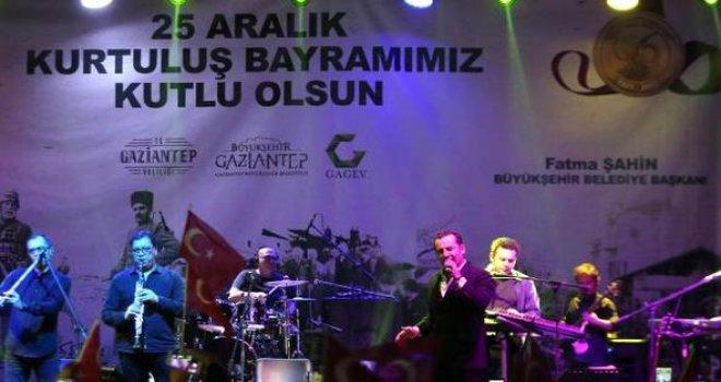 Ferhat Göçer, Gaziantep'te sahne aldı