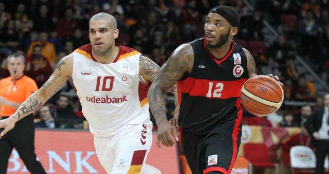 Galatasaray Odeabank - Gaziantep Basketbol: 82-58