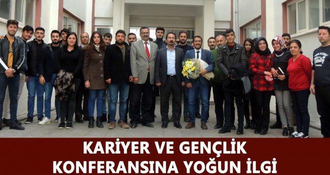 """GAÜN'de """"Kariyer ve Gençlik""""  konferansı gerçekleşti"""