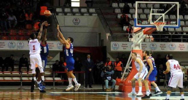 Gaziantep Basketbol-Anadolu Efes: 66-74