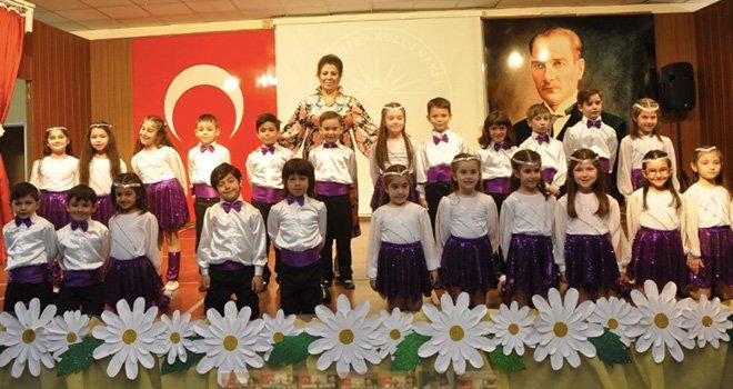 Gaziantep Kolej Vakfı'nda Anneler Günü Şenliği