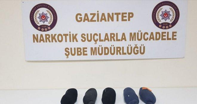 Gaziantep Narkotik Şubeden başarılı uyuşturucu operasyonu! çorap içersinde...