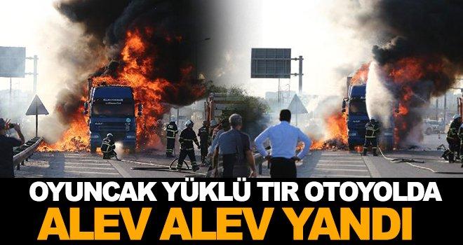 Gaziantep otoyolunda korkutan yangın! TIR alev aldı