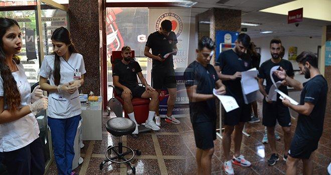 Gaziantepsporlu futbolcular sağlık kontrolünden geçti