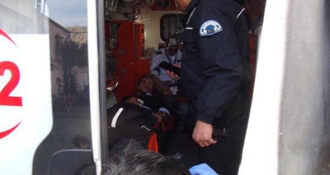 Gaziantep'te AVM'de park kavgası: Dehşet saçtı 3 yaralı...