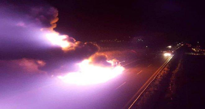 Gaziantep'te amonyum nitrat yüklü tanker alev alev yandı