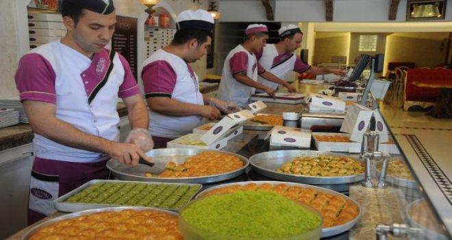 Gaziantep'te baklavacıların bayram mesaisi