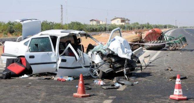 Gaziantep'te düğün yolunda kaza: 1 ölü, 4 yaralı