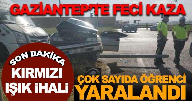 Gaziantep'te öğrenci servisi ve 2 araç çarpıştı: 6 yaralı