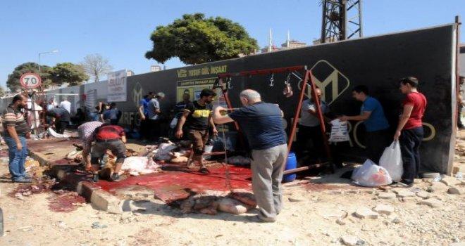 Gaziantep'te kurban kesmek için açık alanları seçtiler