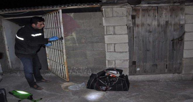Gaziantep'te kuyumcu soyguncuları malzemeleri bırakıp kaçtı