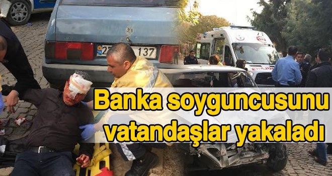 Gaziantep'te olaya giden polisler kaza yaptı...