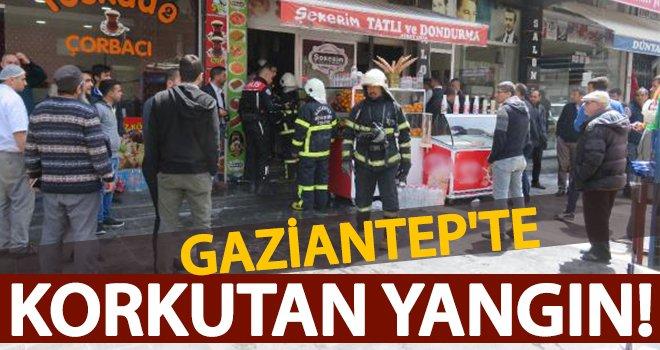 Gaziantep'te tatlıcıda korkutan yangın! Yağın parlaması yangına...