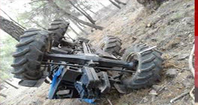 Gaziantep'te traktör devrildi: 1 ölü, 2 yaralı