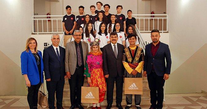 Gaziantep'ten Halk Oyunları'nda Türkiye derecesi