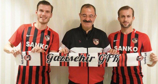 Gazişehir'e iki yeni transfer:İmzalar atıldı