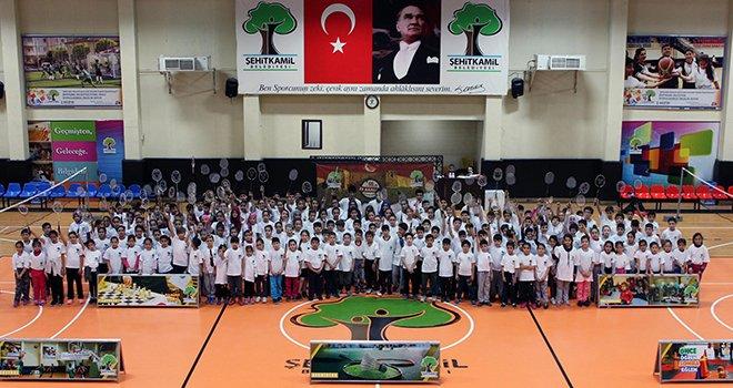 Badminton Kurtuluş Kupasına rekor katılım
