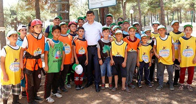Gençlik kampı, binlerce öğrenciyi misafir ediyor