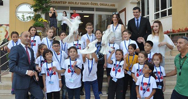 GKV'de güvercinler barış için uçuruldu