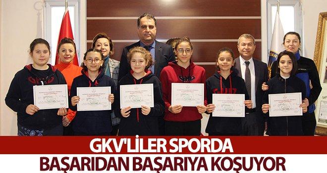 GKV'li öğrenciler başarıdan başarıya koşuyor