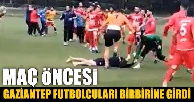 Hazırlık maçı öncesi futbolcular, tekme tokat kavga etti