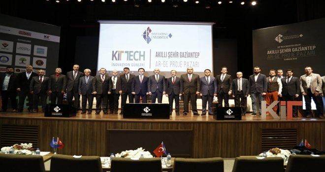 HKÜ'de 'Akıllı Şehir Gaziantep' konuşuldu