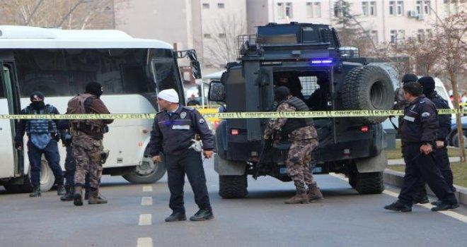 Kaçan teröristin yakalanması için operasyon sürüyor