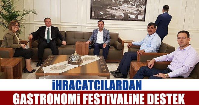 Kaplan: İhracatçılarımız Türkiye'nin tanıtımında da önemli rol oynuyor