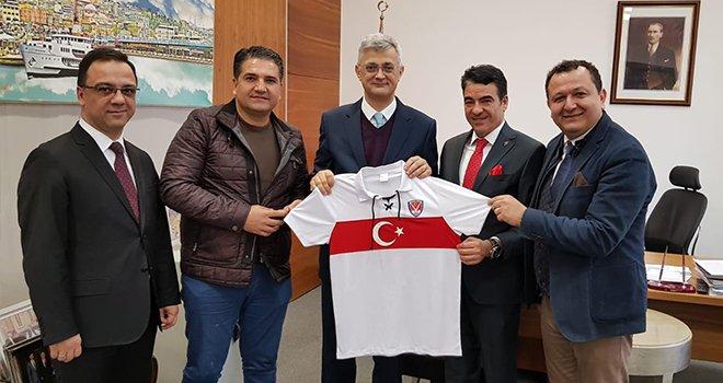 Karakan ve Kaplan Büyükelçi Hızlan'ı ziyaret etti