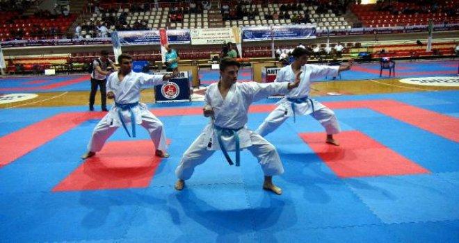 Karate şampiyonası Gaziantep'te başladı