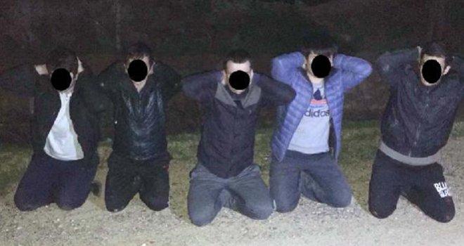 Karkamış'ta IŞİD'e giden 5 yabancı yakalandı