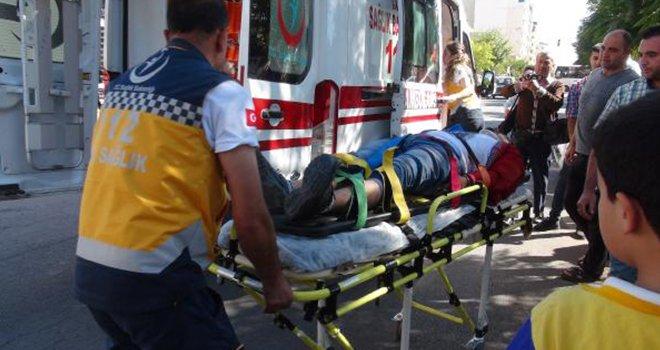 Kilis'te motosiklet yayalara çarptı: 4 yaralı