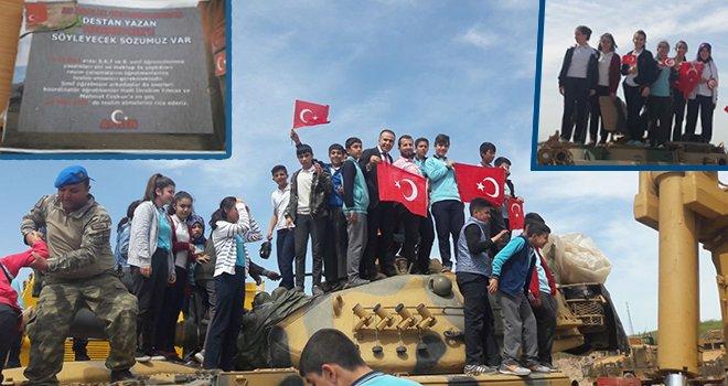 Öğrencilerden Mehmetçiğe şiir ve mektup