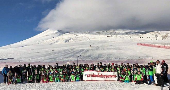 Özel Sanko Okulları kayak kampında