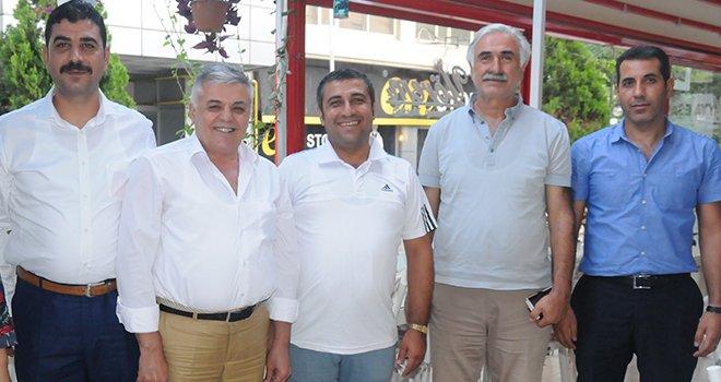 Öztüm tekstil iş sendikasından  MHP'ye ziyaret